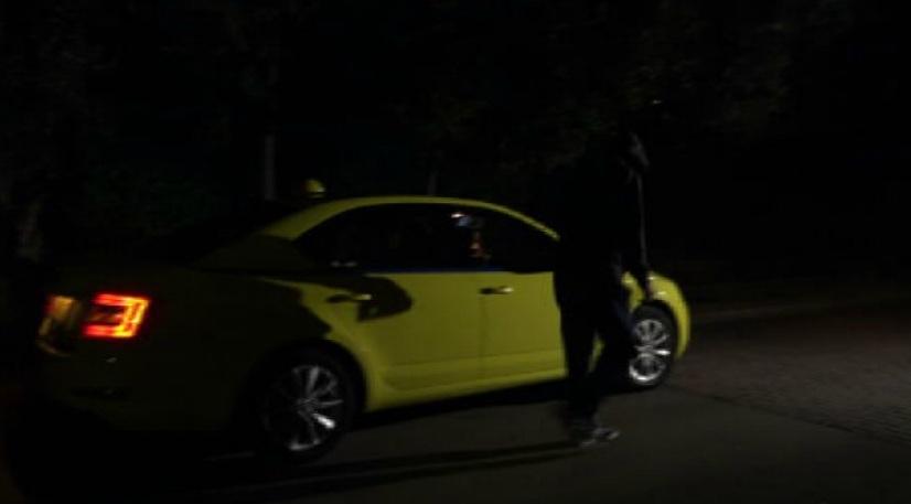 taxi hood2